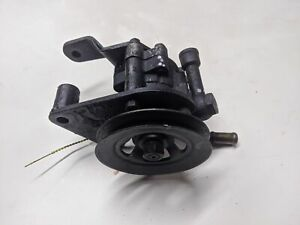 NISSAN NAVARA 2.5 DI 2003 D22 POWER STEERING PUMP