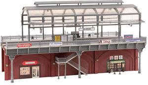 Faller H0 120580 Urban Elevated Railway Station Model Kit 1:87