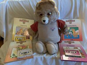 Vtg 1985 Teddy Ruxpin Worlds of Wonder Bear Works w/ 4 Books & 3 Cassete Tapes