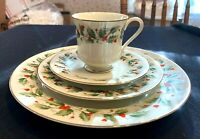 """31 Pcs Royal Gallery/All The Trimming 6283 """"Holly"""" 4 Piece Set Fine China Japan"""