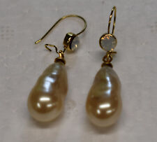 SIMULATED OPAL AND PEARL TEAR DROP EARRINGS * NEW * BAROQUE AND BEAUTIFUL