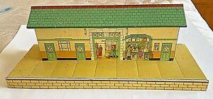 AN O GAUGE HORNBY TINPLATE 1950's NUMBER 3 STATION