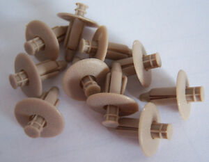 Volvo interior door panel mounting BEIGE clip set with push pin S60 S80 XC70 V70