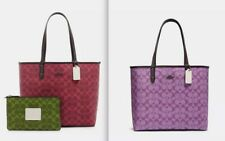 REVERSIBLE CITY TOTE IN BLOCKED SIGNATURE CANVAS / STYLE NO: 91380COLOR: QBQAE
