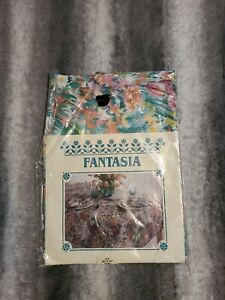 """Vintage Fantasia Oval Shaped Table Cloth Floral print 52""""×70"""" FREE SHIPP IN USA"""