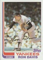 FREE SHIPPING-MINT-1982 (YANKEES) Topps #635 Ron Davis (FACSIMILE AUTOGRAPH)