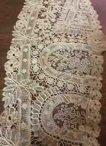 ANTIQUE DUCHESSE/BRUSSELS BOBBIN LACE LARGE COLLAR