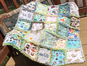 RAG QUILT I SPY throw quilt Neutral 25 different prints handmade in USA  #48n