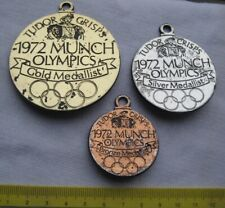 TUDOR CRISPS South Shields vintage 1972 Munich olympic games medal pin BADGES