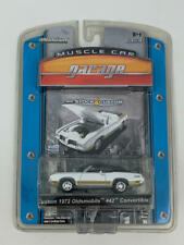 Greenlight Muscle Car Garage - White - 1972 Oldsmobile  442 Convertible - White