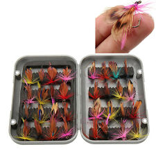 32pcs/lot Fly Fishing Lure Artificial Insect Bait Trout Hooks Tackle with Case