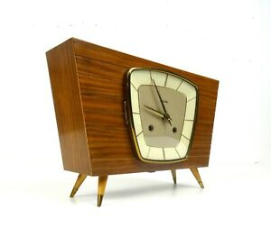 STUNNING VERY RARE ORIGINAL 50S MID CENTURY TEAK TABLE CLOCK BY HERMLE GERMANY