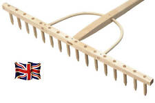 "BULLDOG - Premier Wood Hay Rake 16 Tooth 70"" Shaft"