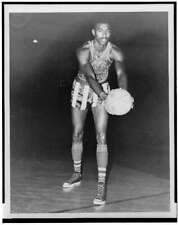 Wilt Chamberlain,wearing uniform,Harlem Globetrotter's Basketball Team,195 7851