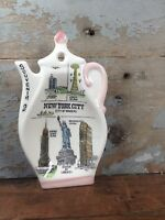 Vintage Ceramic Souvenir of New York City NYC Teapot Shaped Kitchen Spoon Rest