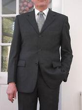 RACING GREEN ALL WOOL SUIT SIZE 40