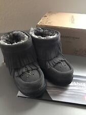 New Manitobah Mukluks Girls Boots Sz7 $149