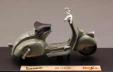 Vespa 98 1946 Mouse Grey Piaggio 1:18 Model 3132G MAISTO