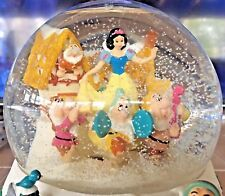 2000 Disney Snow White and the seven dwarfs Mr. Christmas snow globe animated