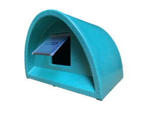 JANUARY SALE  £55.00 OUTDOOR CAT SHELTER/KENNEL PLASTIC CAT HOUSE+ FLAP