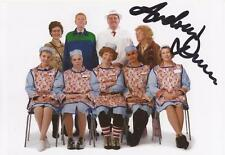 DINNERLADIES: ANDREW DUNN 'TONY' SIGNED 6x4 PORTRAIT PHOTO+COA