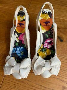 Rocket Dog Sandals Size 4