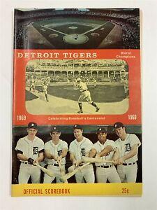 Excellent Detroit Tigers 1969 World Champions Official Scorebook Original 9A-1