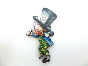 ALICE IN WONDERLAND COLOURFUL WOODEN MAD HATTER BROOCH PIN BADGE
