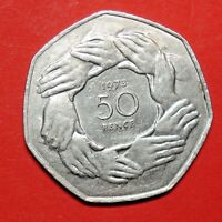 GREAT BRITAIN FIFTY PENCE 1973. CIRCLE OF HANDS. FREE SHIPPING.