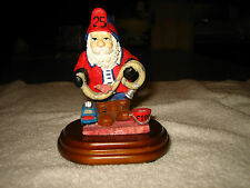 MUSICAL FIREMAN SANTA CLAUS FIGURINE~PLAYS SANTA CLAUS IS COMING TO TOWN~