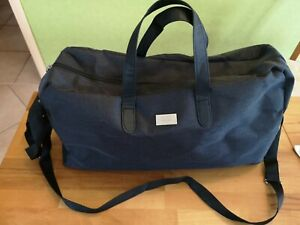 Neue HUGO BOSS Sporttasche Reisetasche Boarding-Bag 20 Liter 50x25x15 cm