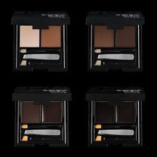 Maquillage noirs pour sourcils