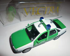 "Opel Vectra A ""policía"" politi polis Police mintio, gama en 1:43/10,3 cm embalaje original!"
