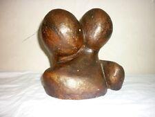 sculpture moderne signée couple enlacé
