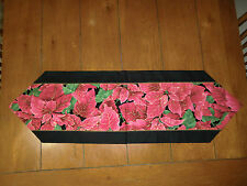 Christmas Table Runner - Lots of Poinsettias
