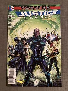 JUSTICE LEAGUE #30 DC REBIRTH 1st App JESSICA CRUZ GREEN LANTERN BATMAN NM-/NM