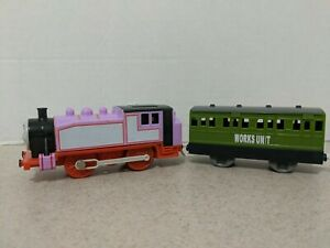 Thomas The Train Trackmaster Rosie Motorized Working with extra Cart 2009 Mattel