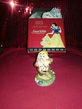 2003 Royal Doulton Disney Showcase Snow White Dwarf Sneezy Ah, Ah, Aachoo! Sw29