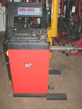 TOCIN BIG RED COMPUTER WHEEL BALANCER MACHINE #212