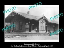 OLD LARGE HISTORIC PHOTO OF RAYMONDVILLE TEXAS, THE RAILROAD DEPOT STATION c1907