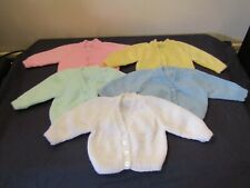 NEW HAND KNITTED BABY CARDIGANS IN BLUE,PINK,GREEN,YELLOW OR WHITE AGE 0-3 MONTH