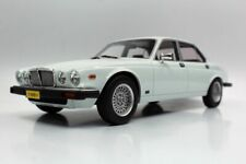 LS COLLECTIBLES JAGUAR XJ6 1982 WHITE 1-18 SCALE LUC 025G
