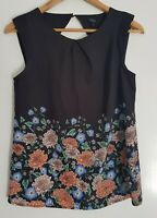 Tokito City Womans Sleeveless Floral Black Blouse Size 8 Corporate Casual Top