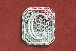 Oblong letter/initial C - sew-on lace motif/applique/patch/craft/card making