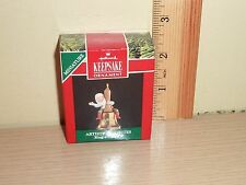 1991 Hallmark Miniature Ornament ~ Ring-a-Ding Elf