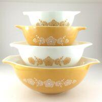 VTG Pyrex Ovenware Set of 4 Nesting Mixing Bowls Gold White Flower Bouquet Q706