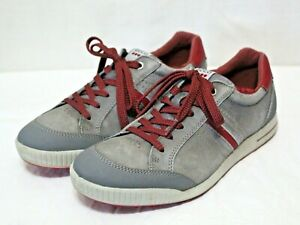 ECCO mens lace up flats gray leather upper athletic soccer shoes size 9 Medium