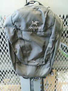 Arctyrex Spear 20 Pack Black Used Discontinued Good Condition HDPE Framesheet