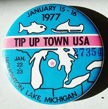 Rare 1977 Collectable Tip Up Town  Badge