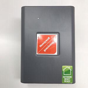 Honeywell L7224U 1002 HL Flange Triple Aquastat Outdoor Ready Reset NEW Open Box